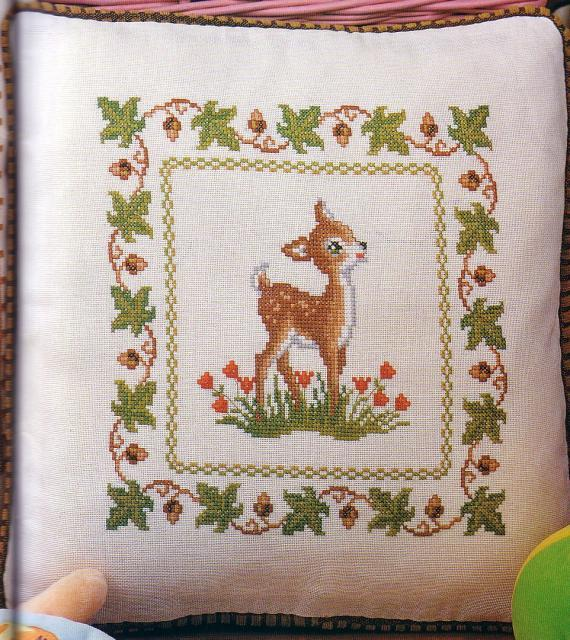 Схема вышивания крестом - Подушка оленёнок